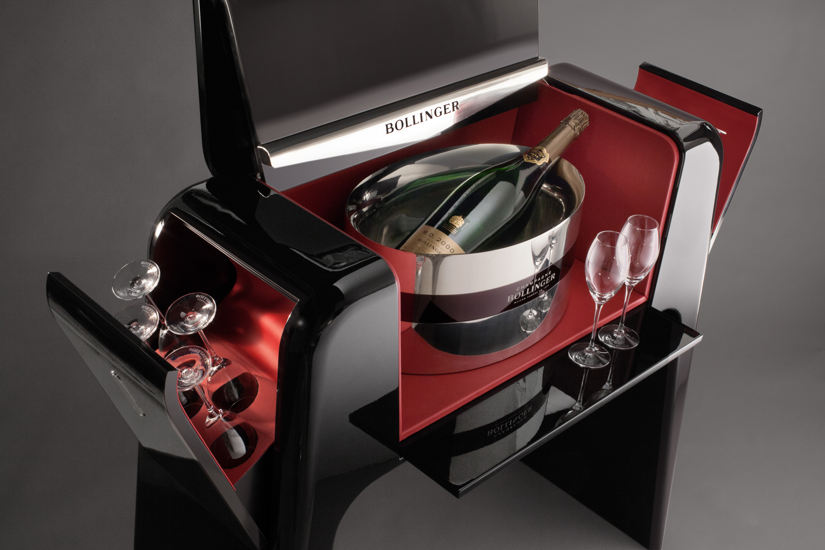 BOLLINGER_Experience_MOBILIER_bar_Spiritueux-ChampagnePLANET-DESIGN-PARIS-Eric-Berthes_01.jpg