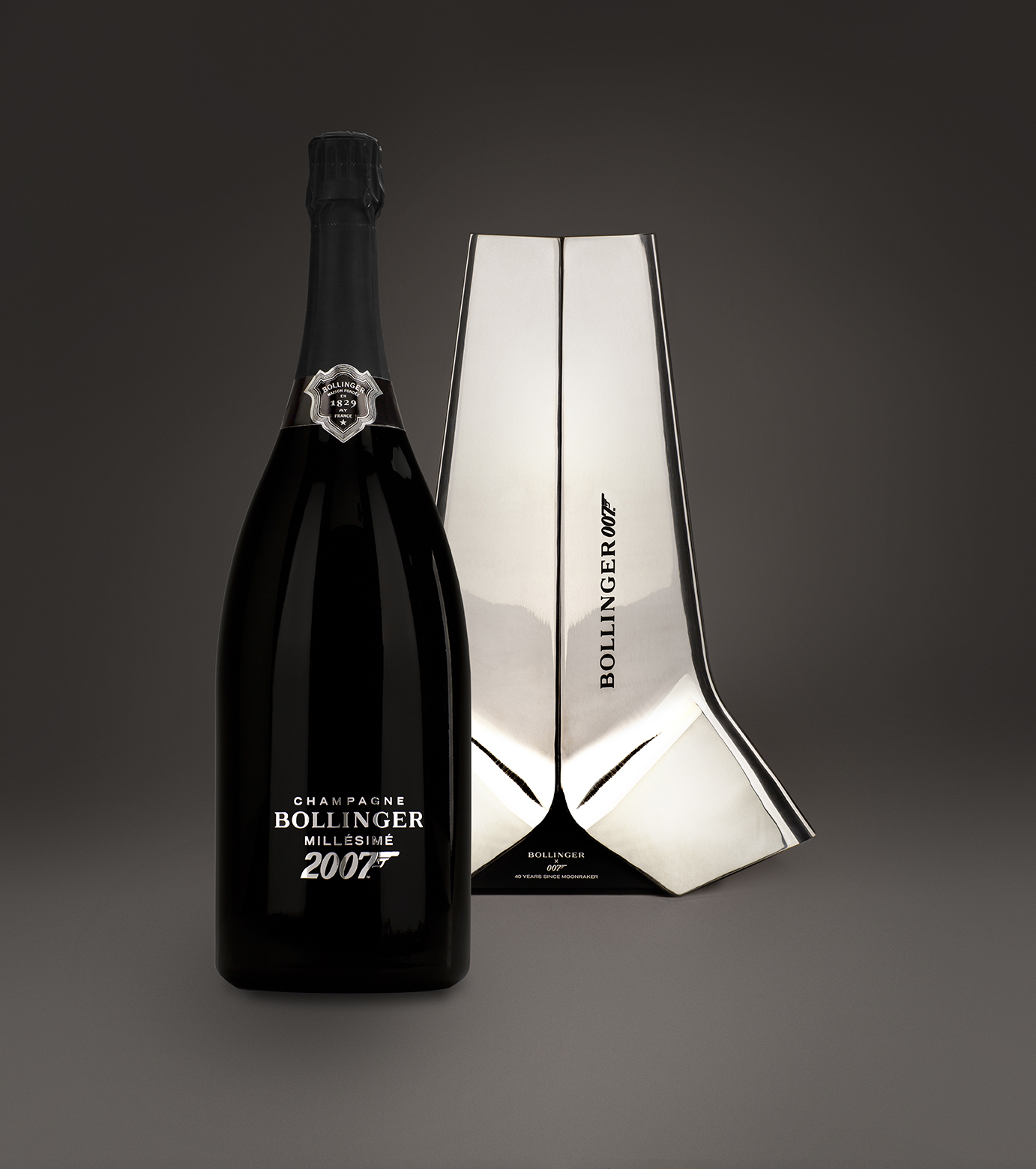 BOLLINGER_Moonraker-007_DESIGN-PRODUIT_Spiritueux-Champagne-James-Bond-Crystalerie-Saint-Louis-Anniversaire-40-ansPLANET-DESIGN-PARIS-Eric-Berthes_02.jpg