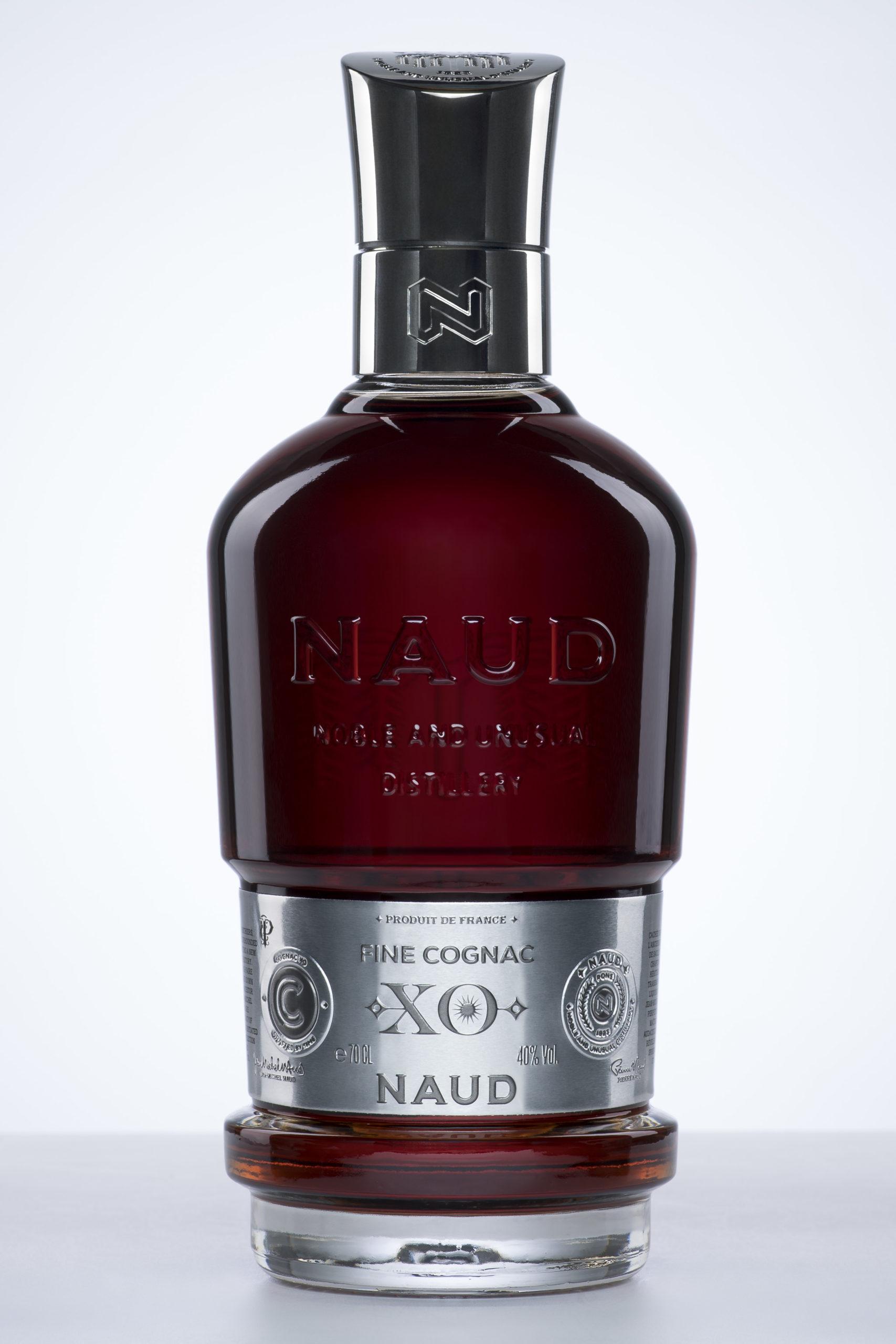 NAUD_Bouteilles_SPIRITUEUX_Cognac-Rhum-Gin-Vodka-Identite-Marque-Graphisme-Etiquette_PLANET-DESIGN-PARIS-Eric-Berthes_04-scaled.jpg