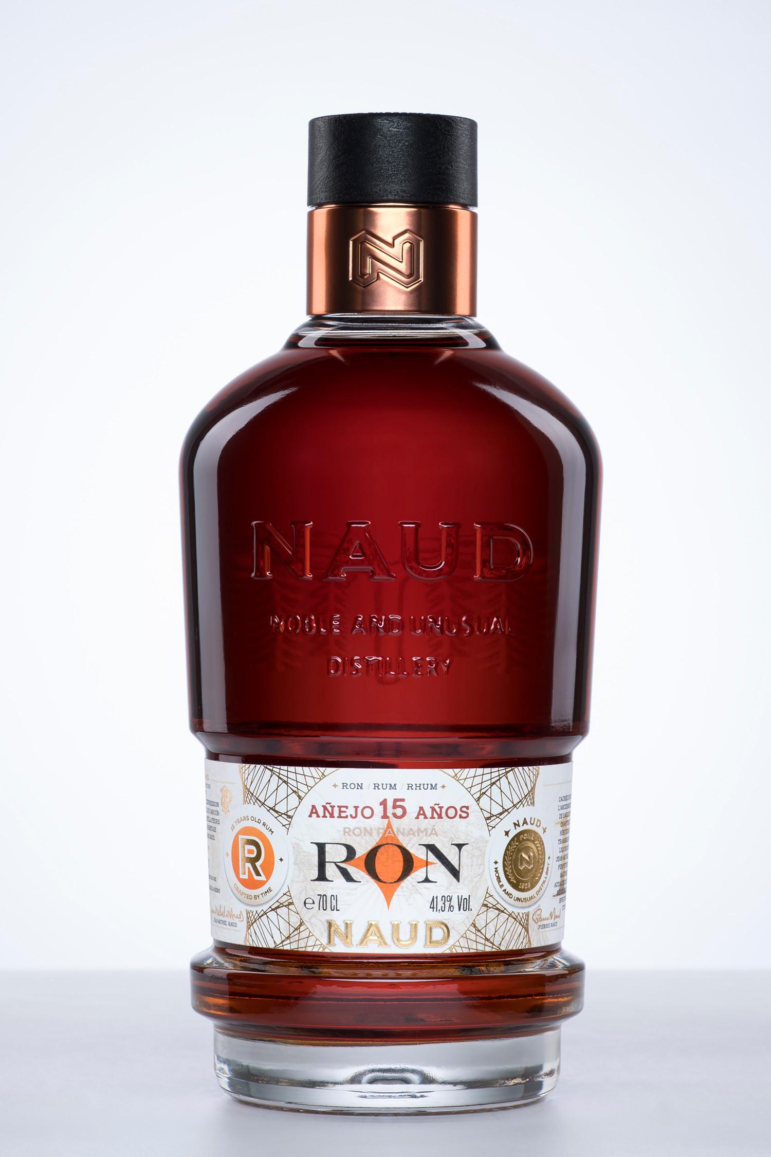 NAUD_Bouteilles_SPIRITUEUX_Cognac-Rhum-Gin-Vodka-Identite-Marque-Graphisme-Etiquette_PLANET-DESIGN-PARIS-Eric-Berthes_07.jpg