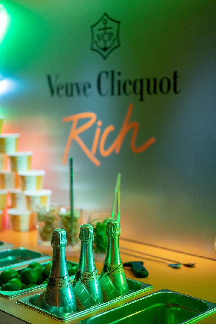 VEUVE-CLICQUOT_Coolest-Rich-Bar_SPIRITUEUX_Champagne-Bar-Evenementiel_PLANET-DESIGN-PARIS-Eric-Berthes_23.jpg