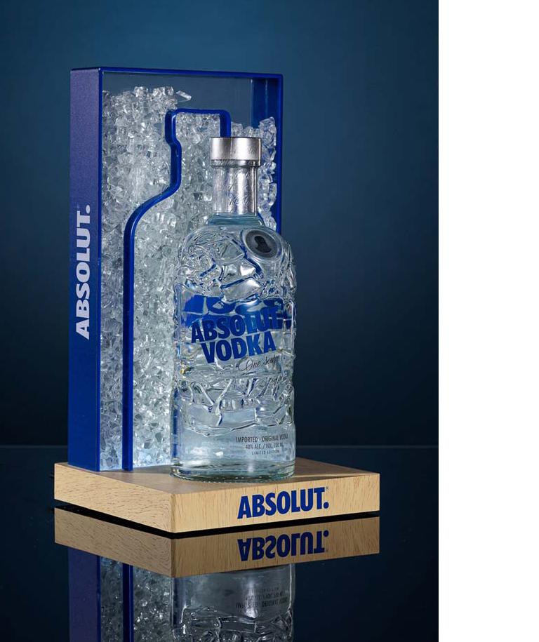 ABSOLUT_Glorifier_SPIRITUEUX_Vodka-Packaging_POS_PLANET-DESIGN-PARIS-Eric-Berthes_04.jpg