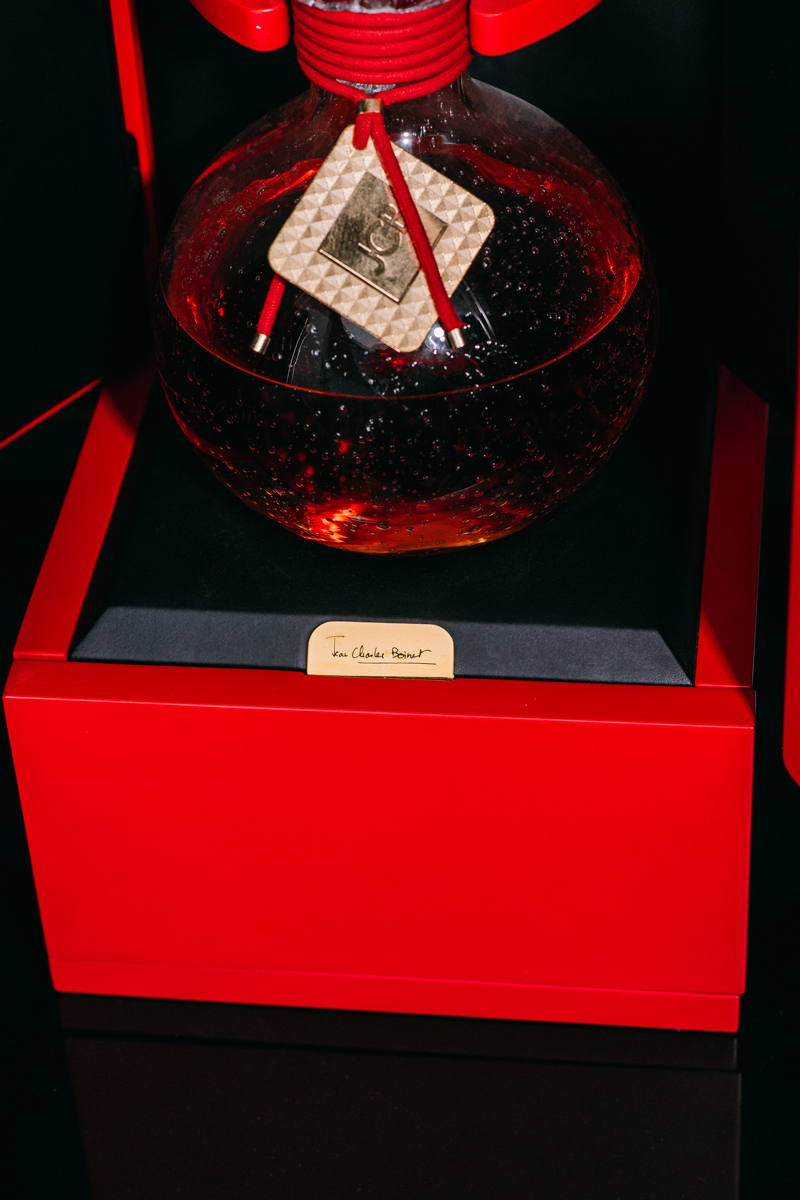 Coffret-Cognac-JCB-1969-ERIC-BERTHES03.jpg