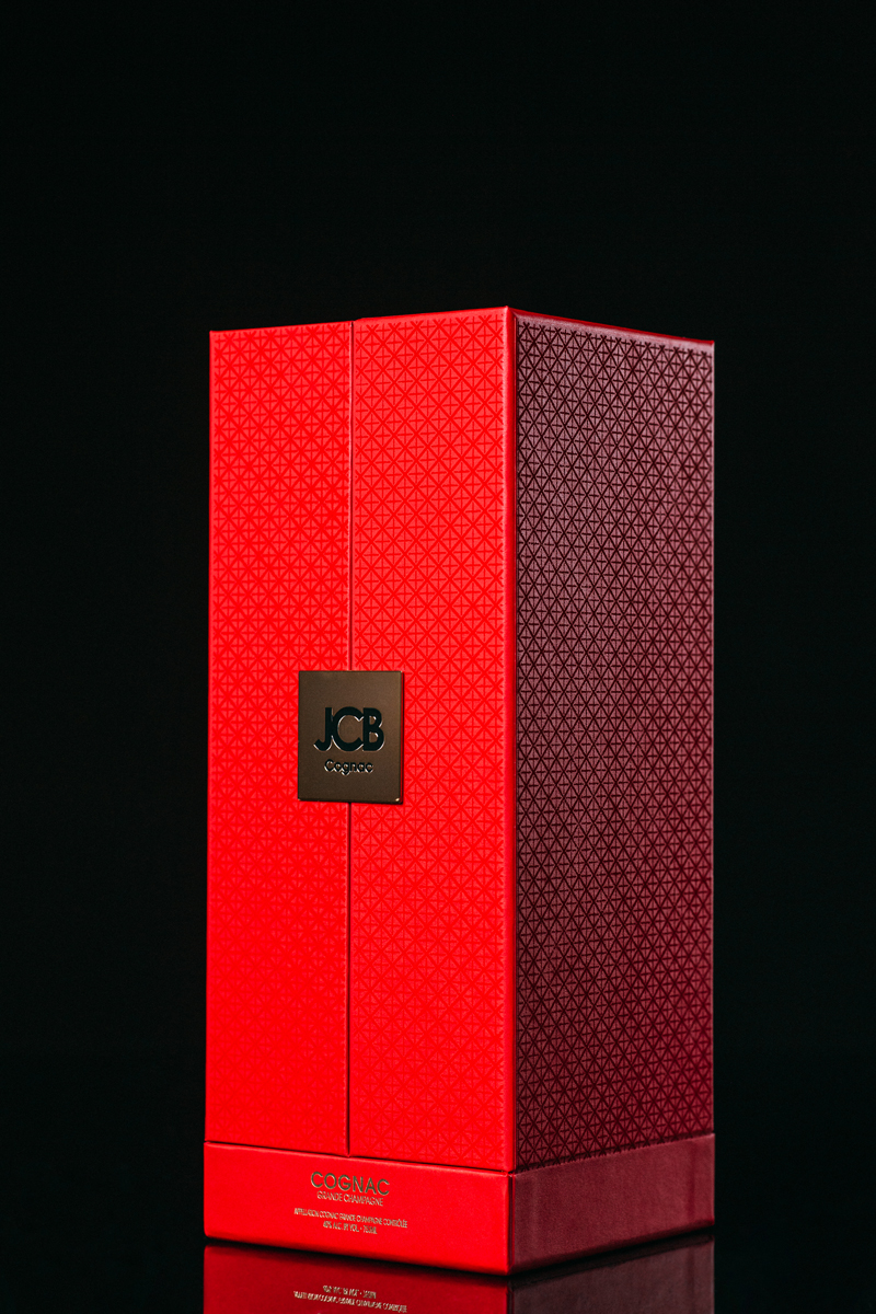 Coffret-Cognac-JCB-ERIC-BERTHES02.jpg